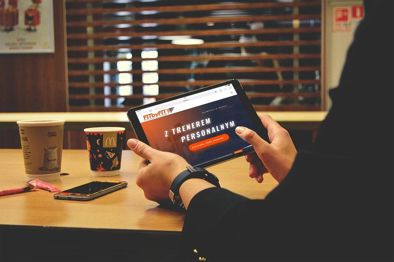 Projekt strony internetowej dla trenera personalnego - tablet - Agencja Marketingowa Ozonmedia