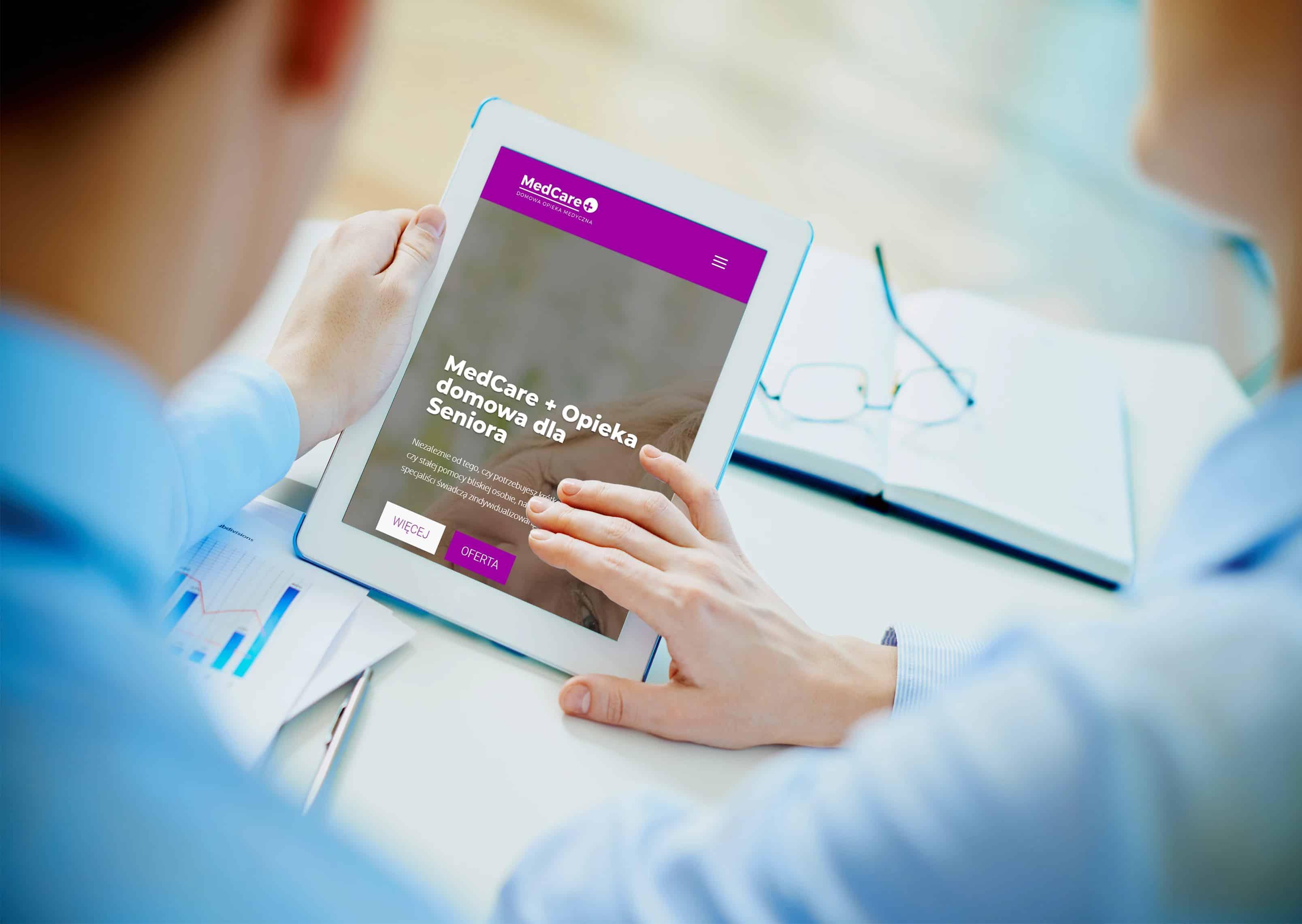 strona internetowa dla centrum opieki nad ozobami starszymi - tablet - OzonMedia
